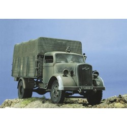 Model Kit military 0216 - Kfz. 305 OPEL BLITZ (1:35)