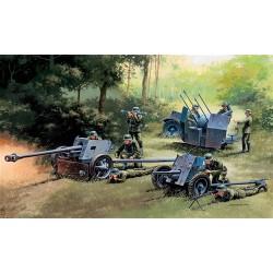 Model Kit military 7026 - GERMAN GUNS SET: PAK35-PAK40-FLAK38 (1:72)