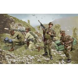 Model Kit figurky 6743 - German Brandenburg Troops (Leros 1943) (1:35)