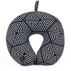 Masážny cestovný vankúš s geometrickým vzorom