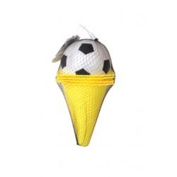 Kužele s futbalovou loptou